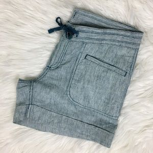 The North Face Linen Shorts Size 6
